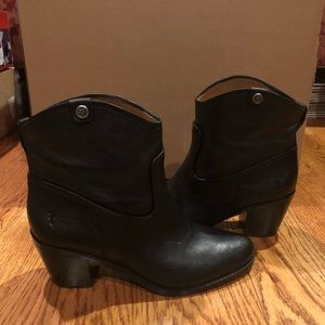 Frye women's black leather boots new
